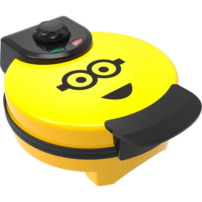 despicable me minion kevin waffle maker
