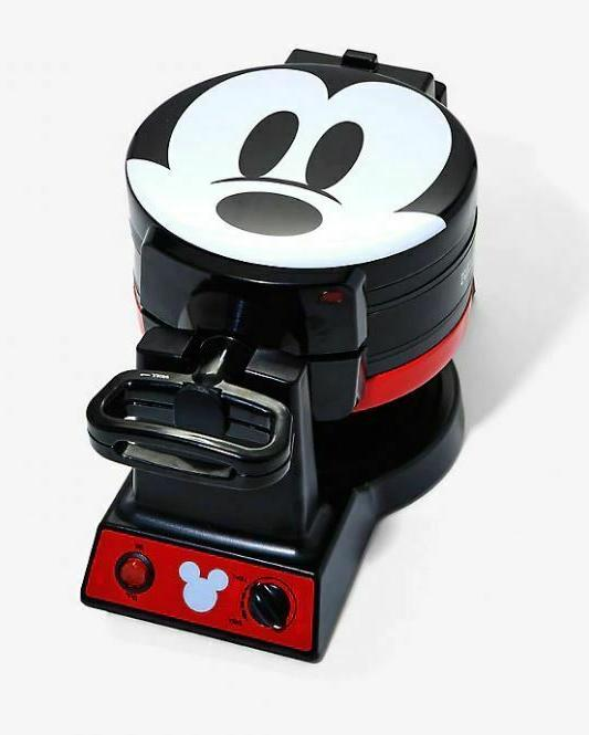 Disney Mickey Mouse Mini Maker Day
