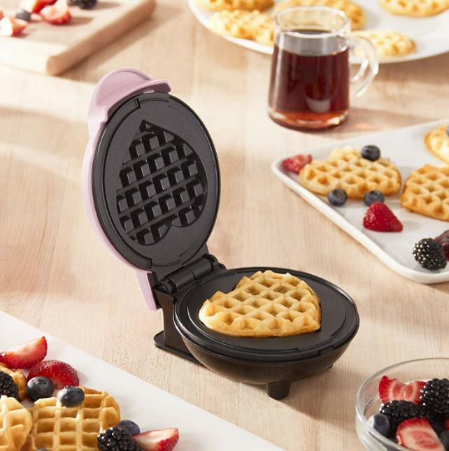 Dash Mini New Mini Machine for Waffles Panini