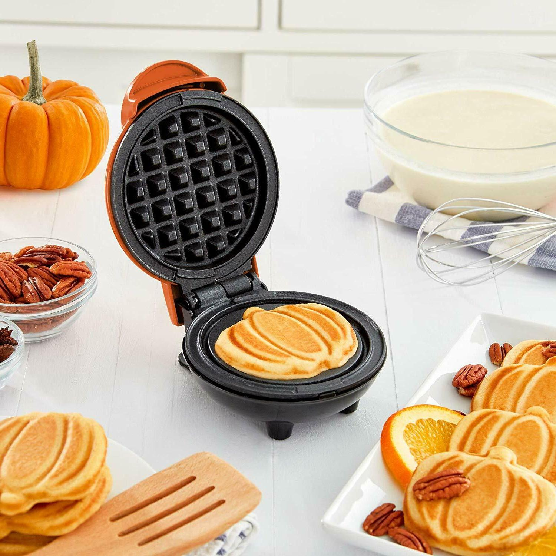 Dash DMWP001OR Mini Waffle Maker