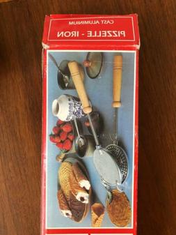 NEW PIZZELLE IRON Cookie Maker Cast Aluminum Stove Top Woode
