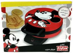 new mickey mouse waffle maker makes 1